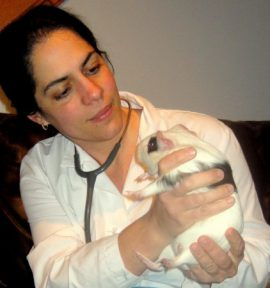 Dr Lisa Aumiller and Guinea pig